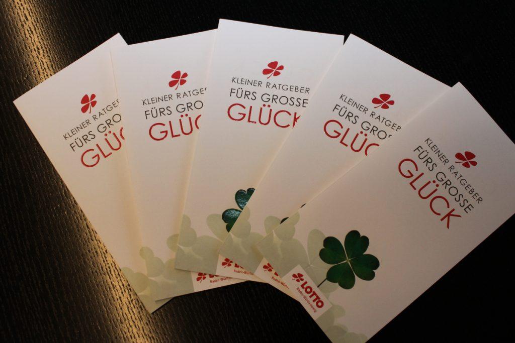 """www.traeumdichlotto.de I Die Tipps für die Großgewinner sind in der Broschüre """"Kleiner Ratgeber fürs große Glück"""" zusammengefasst."""