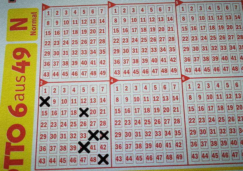 Der größten Gewinn im Lotto-Jahr 2018 in der Klasse 2: Insgesamt 2.501.305,80 Euro gewann ein Lotto-Spieler dem Sechser 8-19-34-35-40-49.