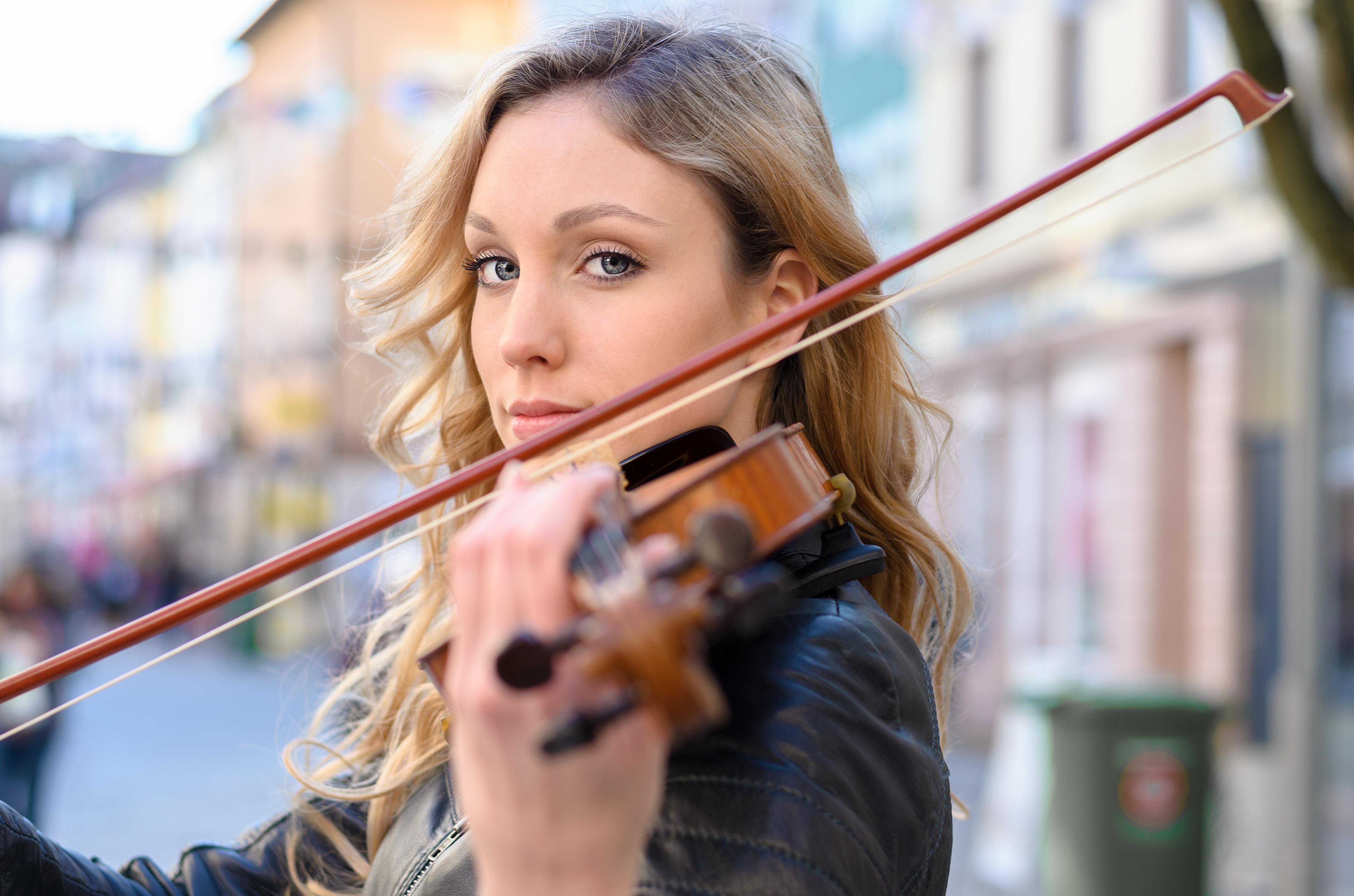 Auch ein neues Musikinstrument könnte man sich mit dem Eurojackpot gönnen.