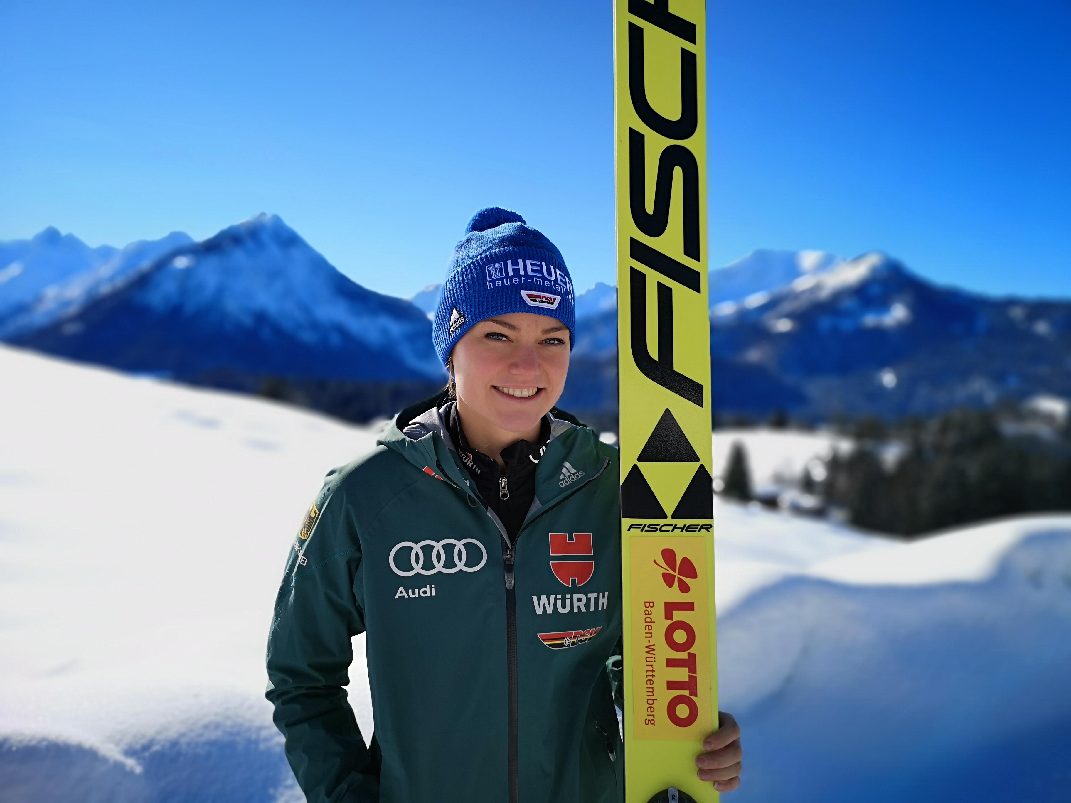 Sport hat viele Facetten: Skispringerin Carina Vogt schätzt all die tollen Erlebnisse, mit denen sie für die harte Arbeit belohnt wird.